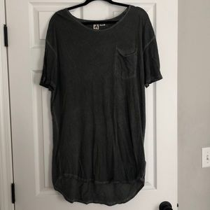 Men's L Urban Outfitters long tee